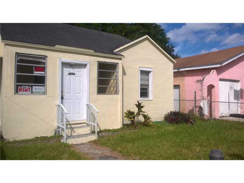 1751 NW 44 St, Miami, FL