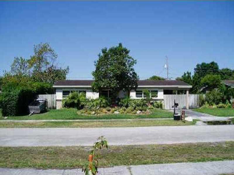 19660 NE 11 Pl, Miami, FL