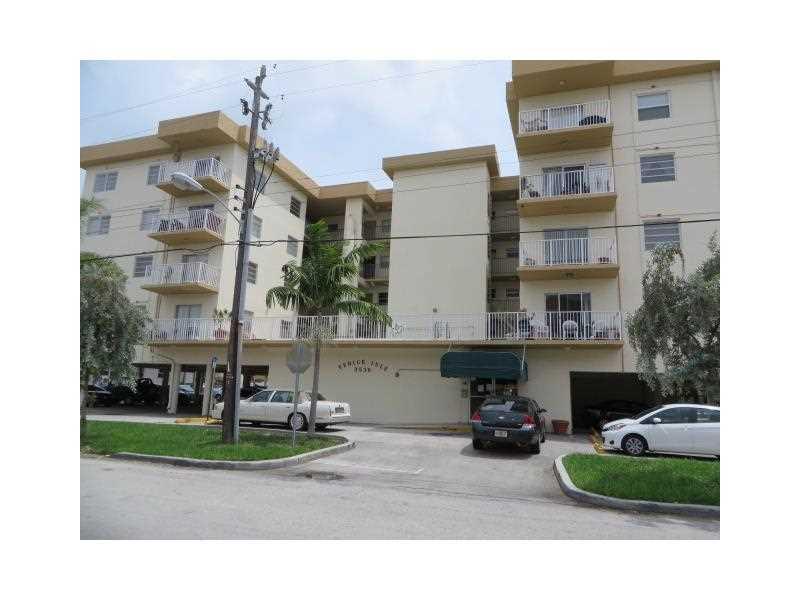 3536 NE 168 St #APT 402, North Miami Beach, FL