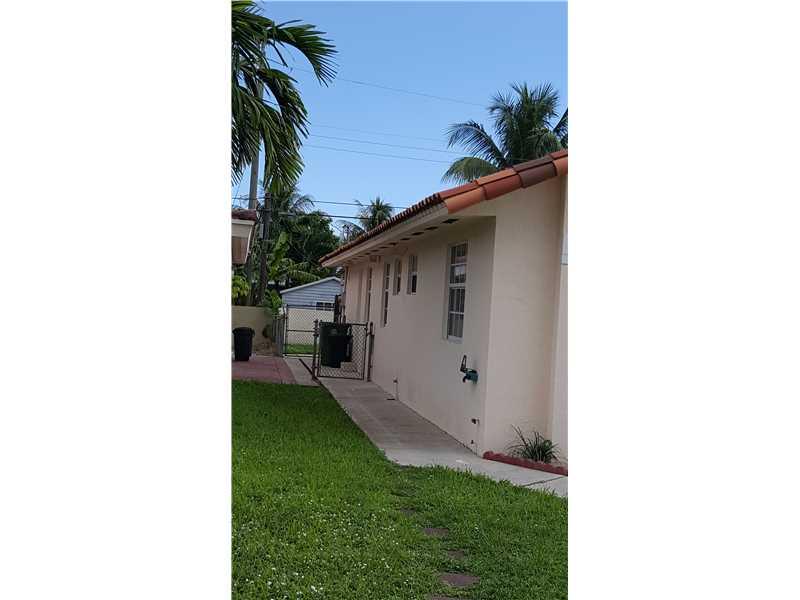 4525 E 9 Ct, Hialeah, FL