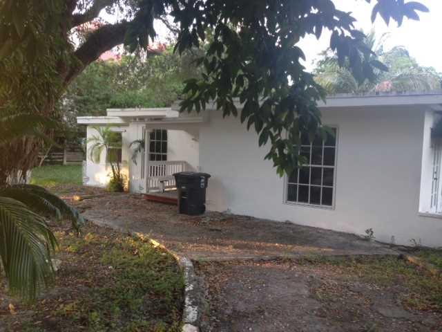 645 NE 144 St, Miami, FL