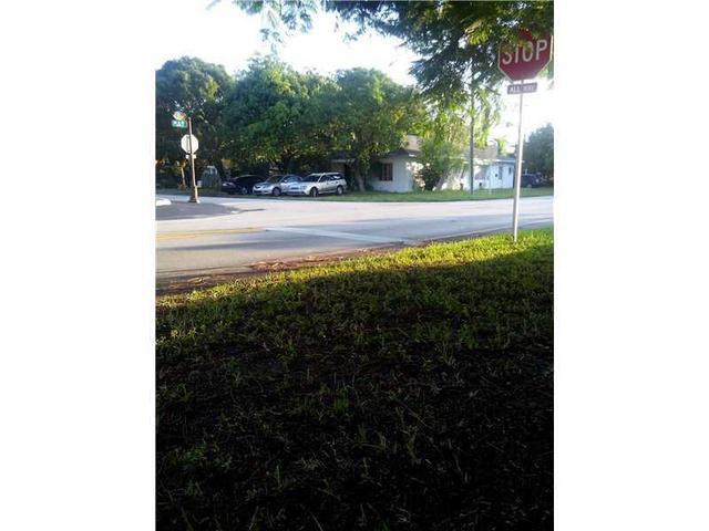 608 NE 8 Ave #1-4, Fort Lauderdale, FL 33304