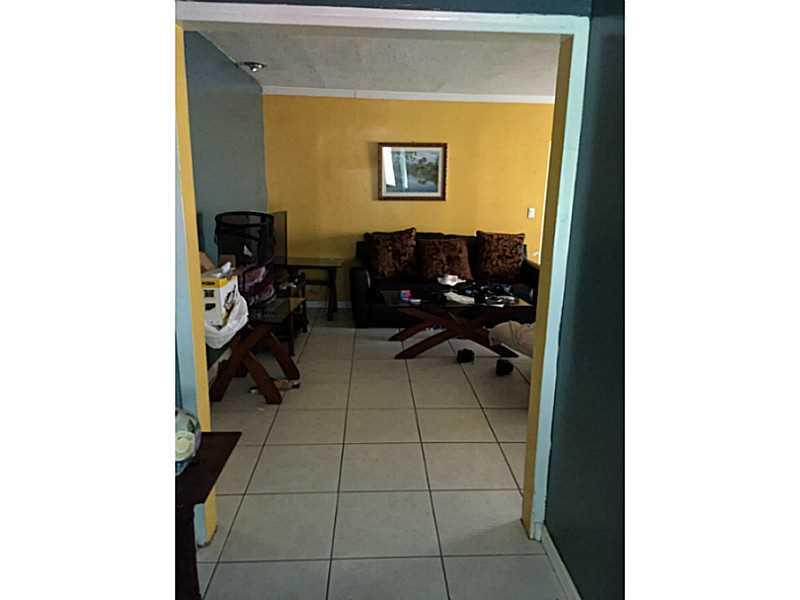 6211 SW 9 St, Pompano Beach, FL