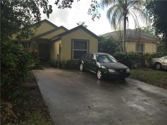 990 SW 8 Pl, Homestead, FL