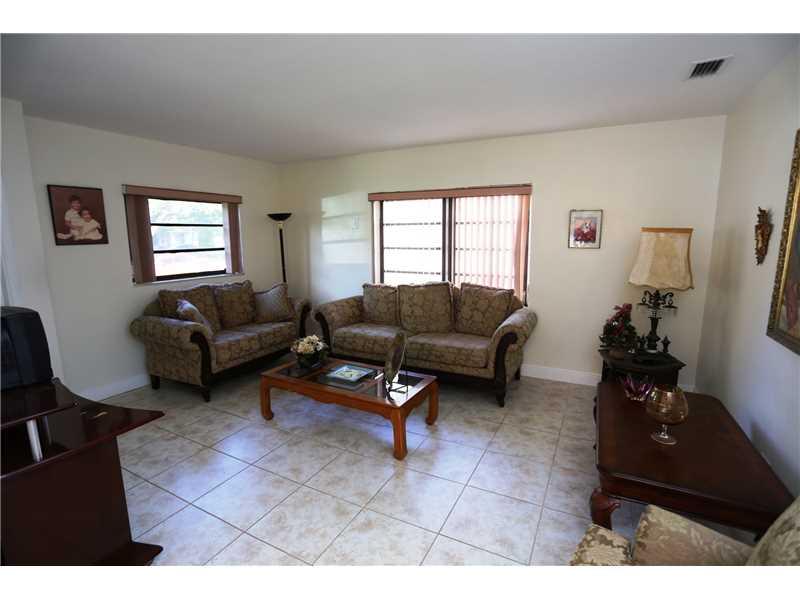 4260 SW 13 St, Miami, FL