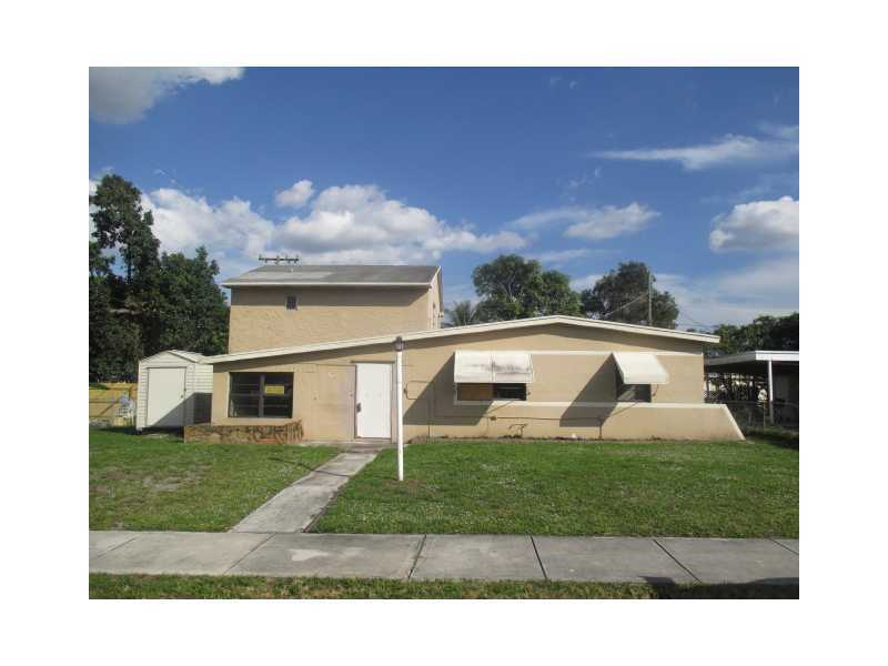 3811 SW 47th Ave, Hollywood, FL