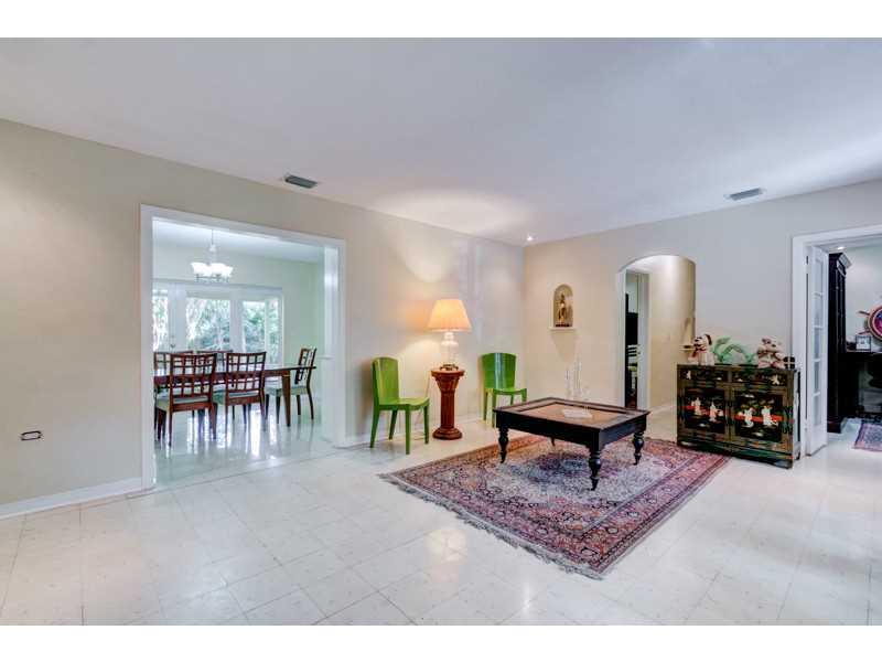 75 NE 90 St, Miami, FL