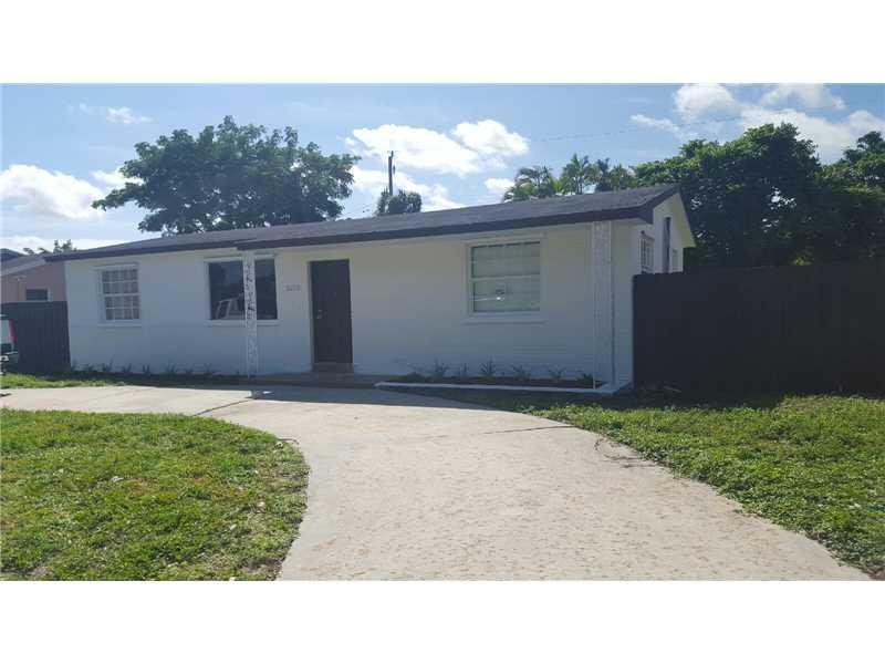3250 NW 213 Te, Miami Gardens, FL