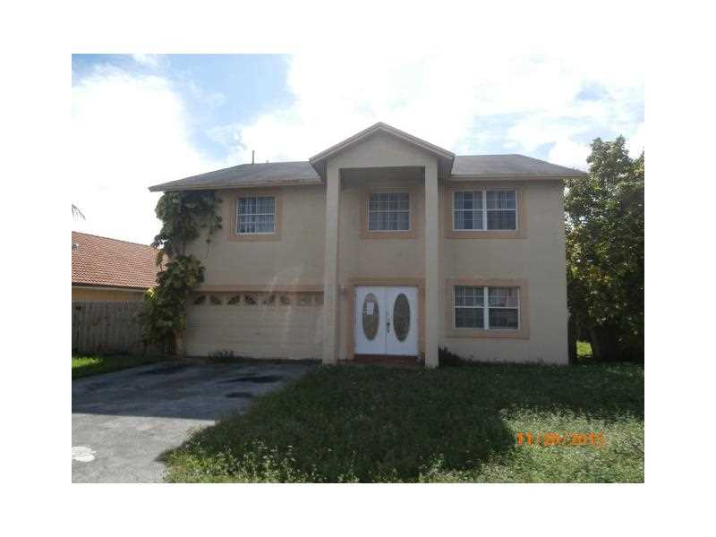7774 NW 189 St, Hialeah, FL