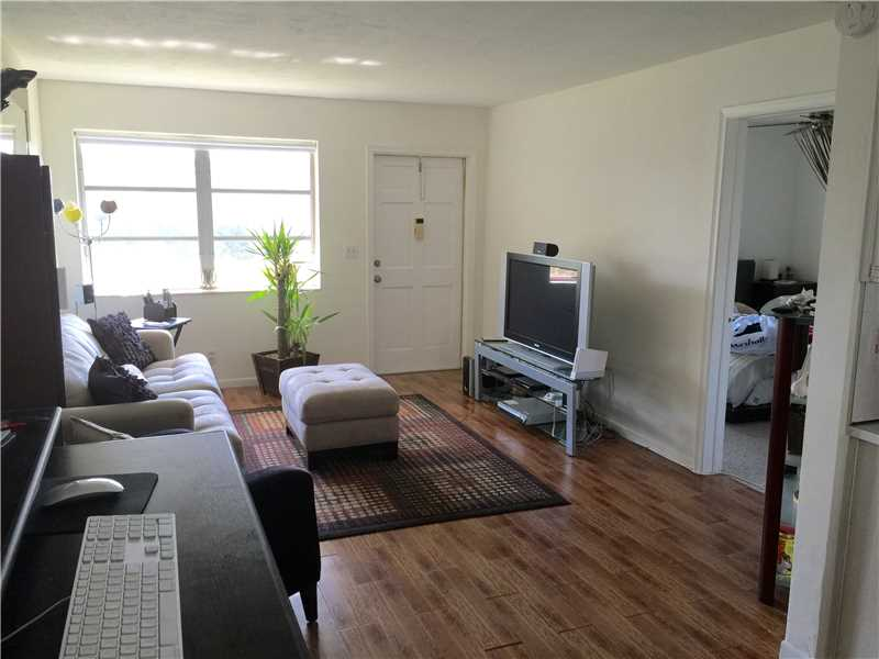2230 Jackson St #APT 3w, Hollywood, FL