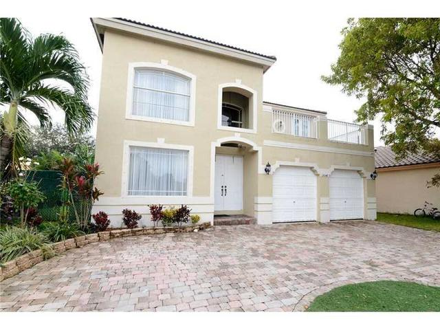 13048 SW 54 Ct, Hollywood, FL