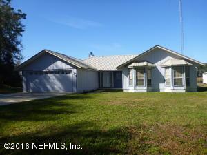 101 Lakeshore Dr, Interlachen, FL