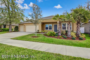 10327 Oxford Lakes Dr, Jacksonville, FL