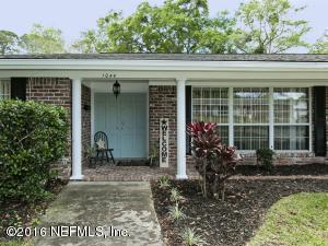 1044 Parkridge Cir, Jacksonville, FL