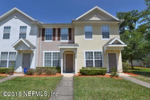3545 Twisted Tree Ln, Jacksonville, FL