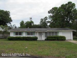 5824 Yellow Pine Dr, Jacksonville, FL 32277