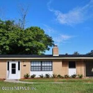 7606 Knoll Dr, Jacksonville, FL 32221