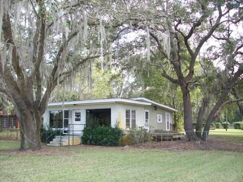 118 Hotel St, Melrose, FL 32666