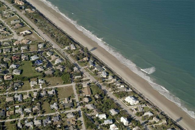 225 Spoonbill Ln, Melbourne Beach, FL 32951