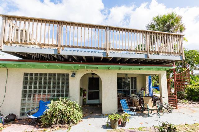 318 Azure Ln N, Cocoa Beach, FL 32931