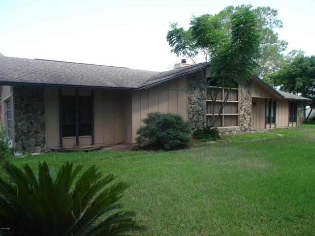 1695 Emmaus Rd NW, Palm Bay, FL 32907