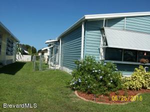 624 Hyacinth Circle, Barefoot Bay, FL 32976