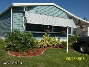 624 Hyacinth Cir, Barefoot Bay, FL 32976