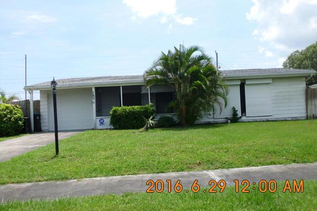 785 Cadez St NE, Palm Bay, FL 32905