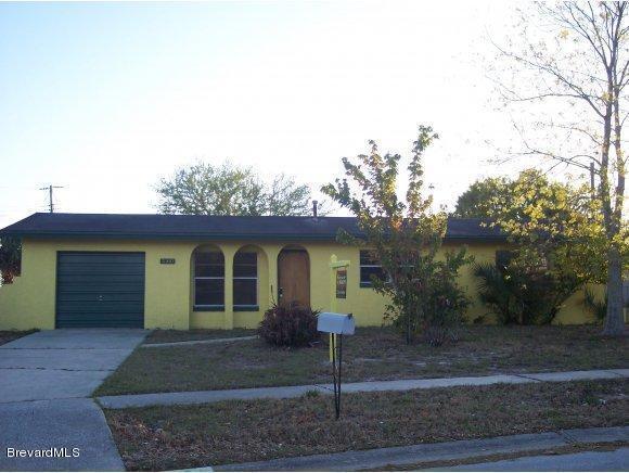 2160 Fairlane Dr, Titusville, FL 32780