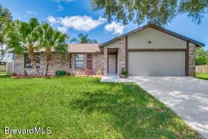 1023 Kenmore St NW, Palm Bay, FL 32907