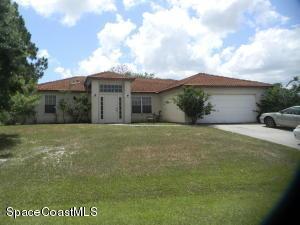 706 Davidson St SE, Palm Bay, FL 32909