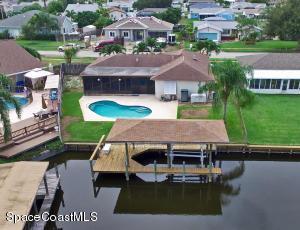1570 W Riviera Dr, Merritt Island, FL 32952