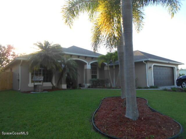 1118 SW Dorchester St, Port St Lucie, FL 34986