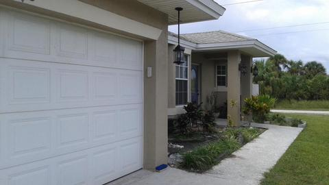 498 Gantry St SW, Palm Bay, FL 32908
