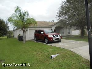 459 Calamondin Ave NW, Palm Bay, FL 32907