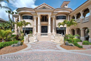 219 Lansing Island Drive, Indian Harbour Beach, FL 32937