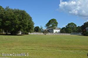 3973 Man O War Lane, Malabar, FL 32950