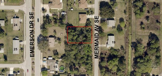 940 Mermaid Ave SE, Palm Bay, FL 32909