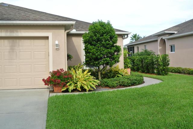 2035 Muirfield Way SE, Palm Bay, FL 32909