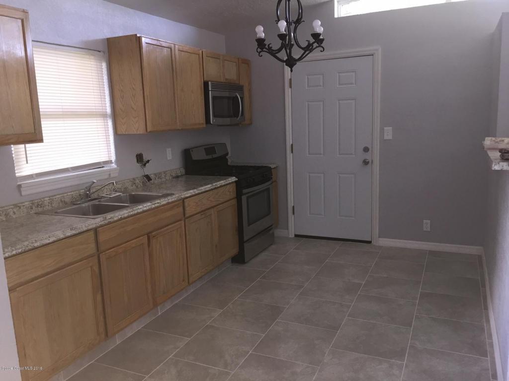 1045 Avon Place, Cocoa, FL 32922