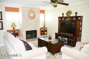 604 Cedar Side Cir NE, Palm Bay, FL 32905