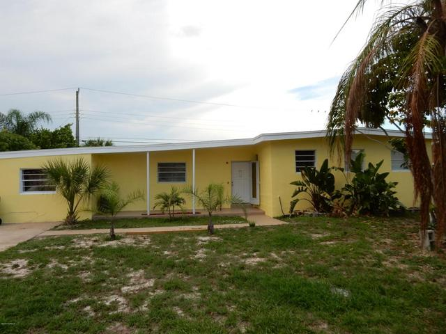 225 NE 3rd St, Satellite Beach, FL 32937