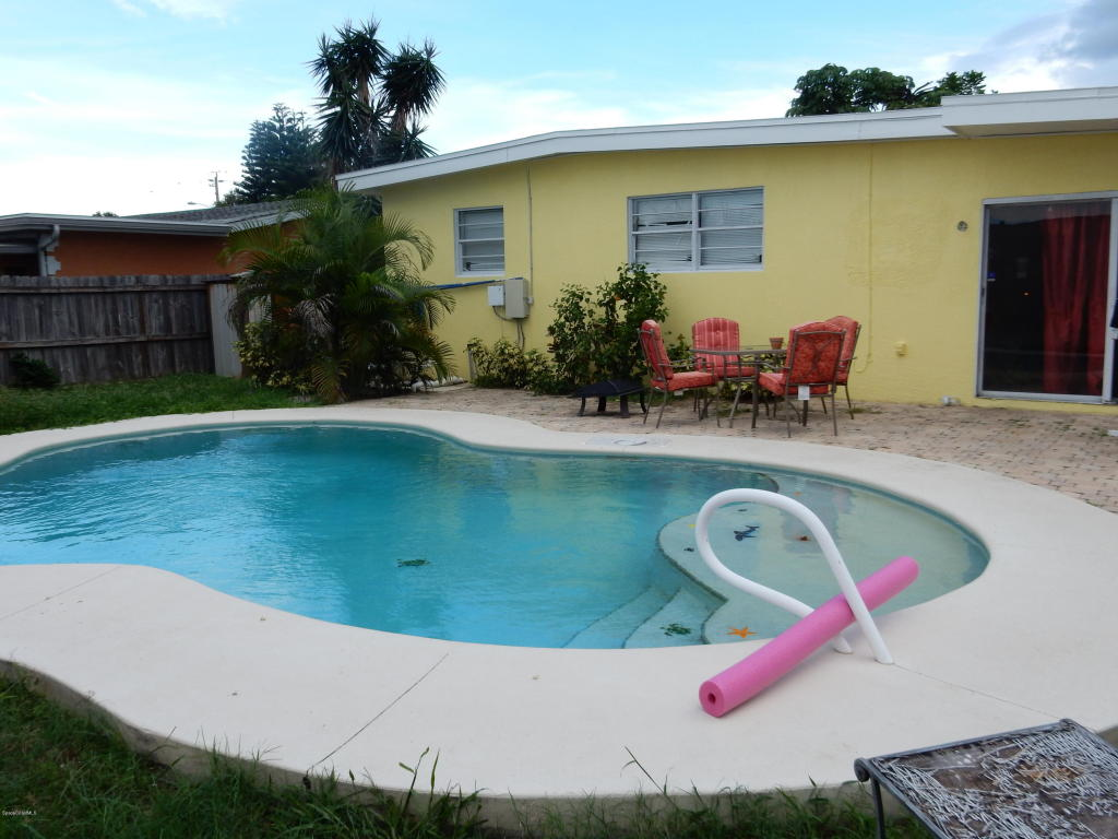225 NE 3rd Street, Satellite Beach, FL 32937