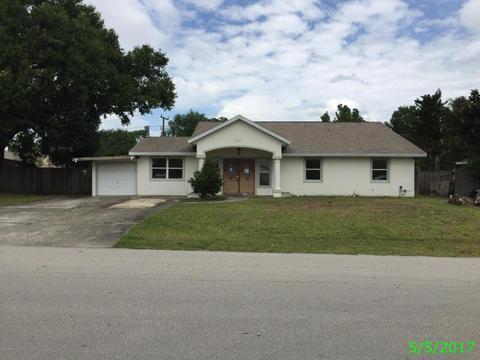241 Hawthorne Ln NE, Palm Bay, FL 32907