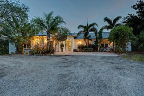 9720 Fleming Grant Rd, Micco, FL 32976