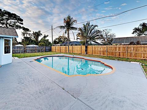 Prime 777 Altara Ln Ne Palm Bay Fl 32907 Home Interior And Landscaping Dextoversignezvosmurscom