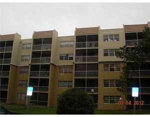 6950 Miami Gardens Dr #APT 2-517, Hialeah FL 33015