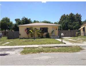 2950 NW 67 St, Miami FL 33147