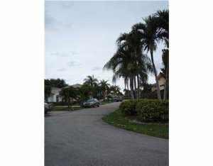 2063 SW 104 Ave Miami, FL 33165