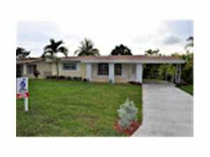 2918 Alcazar Dr, Hollywood FL 33023